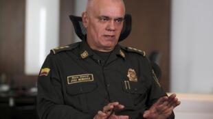 """Ministro da Defesa da Colômbia, Luis Carlos Villegas: """"Estas organizações serão perseguidas de forma autônoma ou coordenada pelas forças militares e pela polícia""""."""