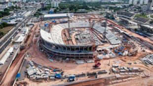 Construção do estádio Arena da Amazônia que vai sediar 4 jogos da Copa do Mundo de 2014.