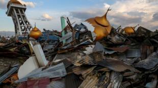 Разрушенное здание мечести в Палу (Индонезия), октябрь 2018.