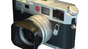 Máy ảnh Leica đời M7, sản xuất từ năm 2002.