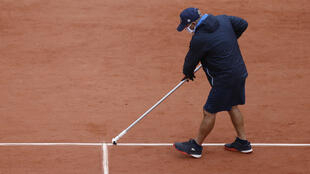 2020-09-27T094208Z_1442035135_UP1EG9R0QY8RM_RTRMADP_3_TENNIS-FRENCHOPEN