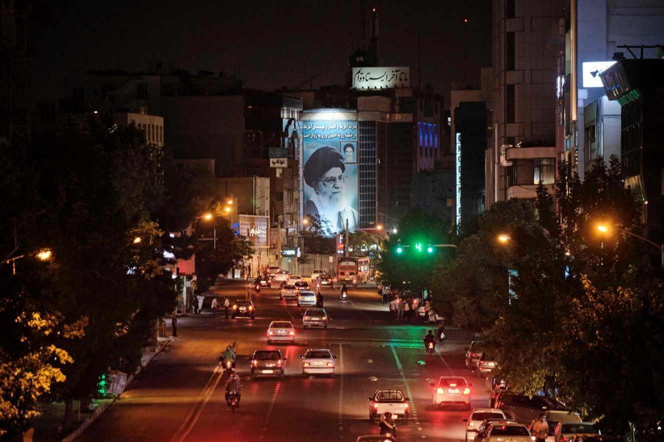 چشم اندازی از خیابانهای تهران در روزهای انتخابات