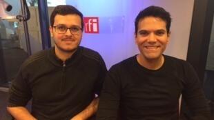 O pianista Silas Barbosa (à esq.) e o tenor Alberto Pacheco, no estúdio da RFI Brasil em 6 de fevereiro de 2017pa