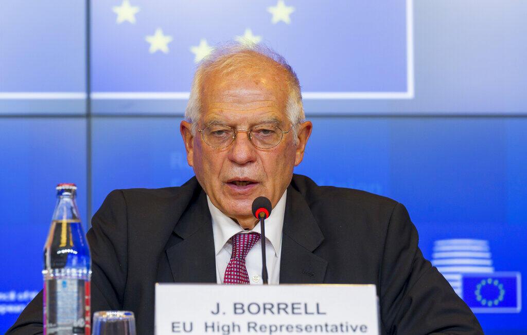O alto representante da UE para as Relações Exteriores, o espanhol Josep Borrell, conversou por telefone com o chanceler russo, Sergei Lavrov, na quarta-feira, para discutir as repercussões do caso e a aplicação de sanções.