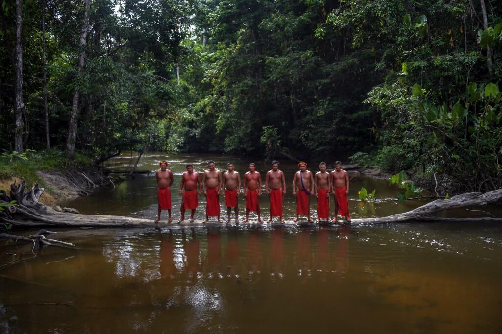 Membros da etnia Waiapi a 14 de Outubro de 2017 (ilustração).