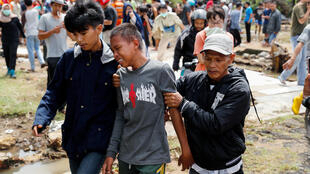 Muito mais do que 230 mil vítimas fatais, tsunami de 2004 deixou lastro de traumas e de ausências de gerações.