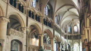 La catedral de Canterbury es el centro de la Iglesia anglicana.