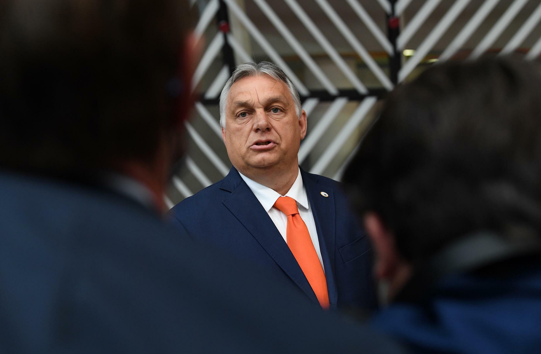 El primer ministro húngaro, Viktor Orban, habla con la prensa en Bruselas, el 24 de junio de 2021