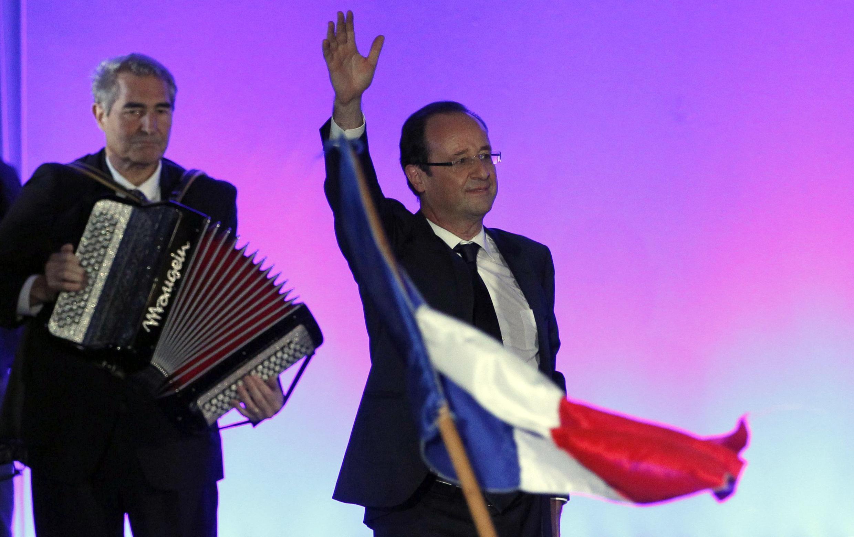 François Hollande se prepara para encontrar os líderes da comunidade internacional.