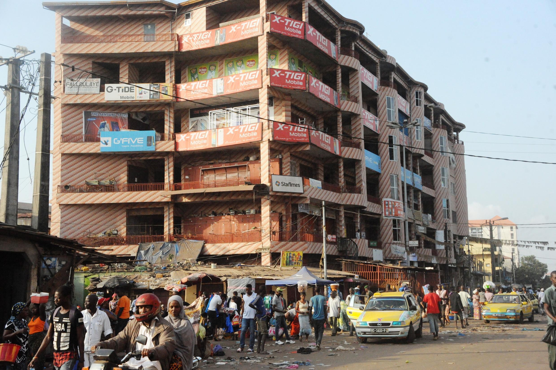 Scène de rue à Conakry, en Guinée. (Image d'illustration)