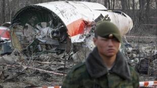 Les restes de l'avion du président polonais, Lech Kaczynski, après le crash du 11 avril 2010.