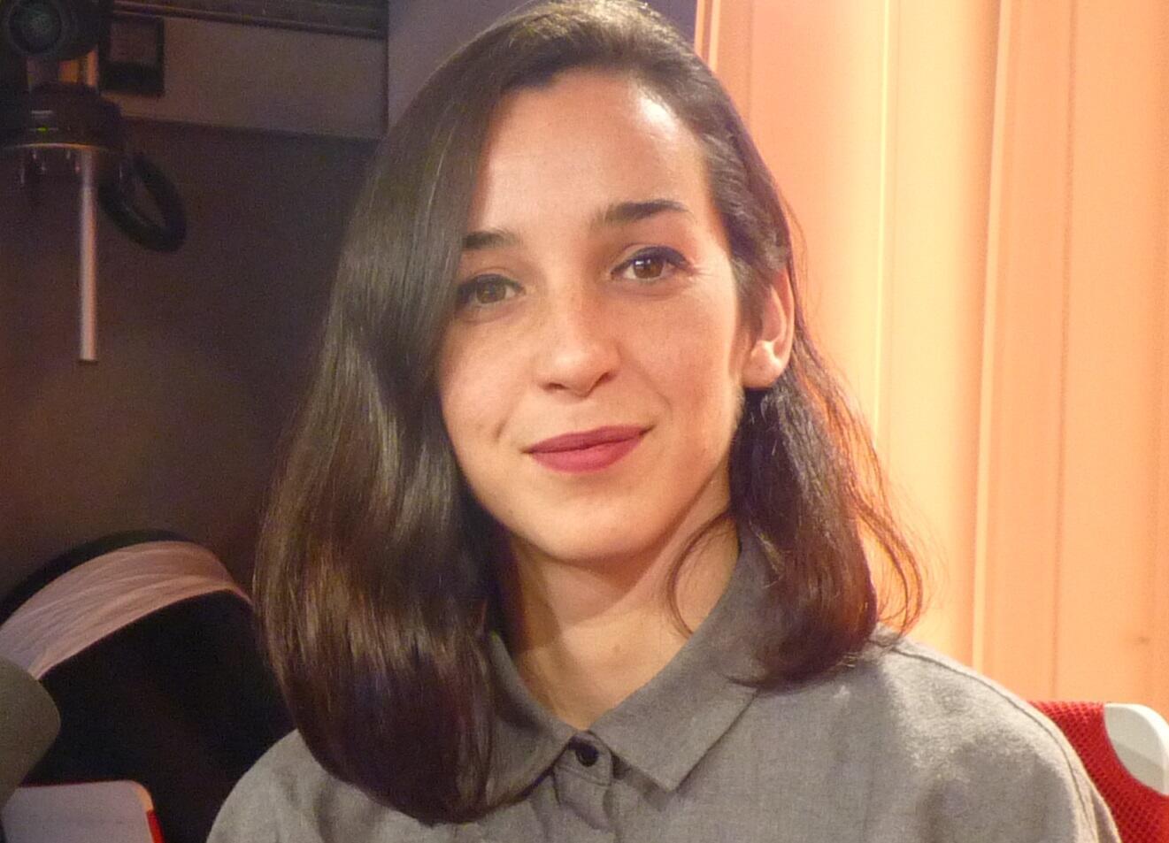 La artista Rocio Berenguer en los estudios de RFI
