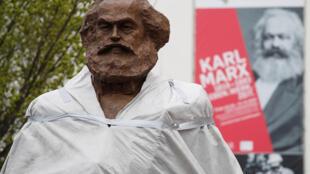 مجسمه کارل مارکس در زادگاهش