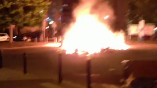 Confrontos entre policiais e habitantes de Trappes, nos arredores de Paris.