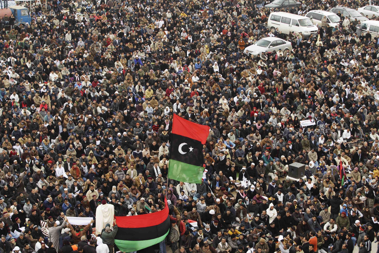 Manifestantes anti-Kadafi el viernes en Benghazi.