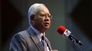 Thủ tướng Malaysia Najib Razak đang mất uy tín vì tai tiếng tham nhũng.