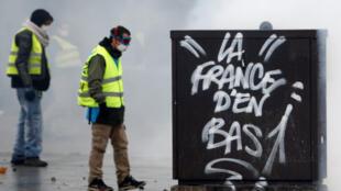 Governo francês busca respostas após caos durante protestos em Paris