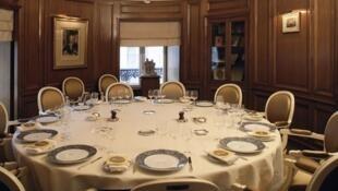 Salon où se réunit le jury du prix Goncourt, Chez Drouant, Paris.