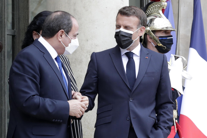 Французский президент Эмманюэль Макрон принял в понедельник, 17 мая, в Париже главу египетского государства Абделя Фаттаха ас-Сиси