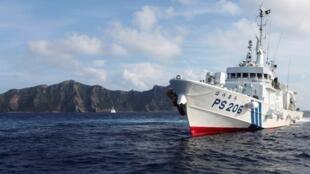 钓鱼岛附近的一艘日本海上保安厅船只资料图片