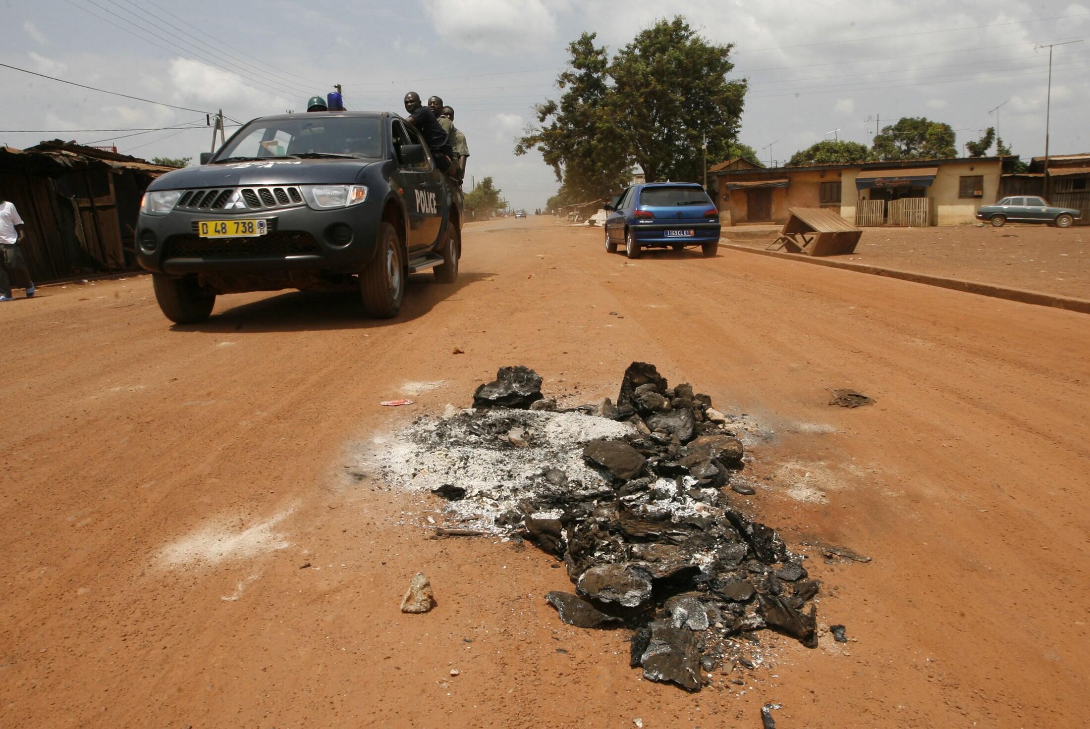 """Polisi ya Cote d""""ivoire ikipiga doria katika hali ya kupambana na makundi ya wahalifu."""
