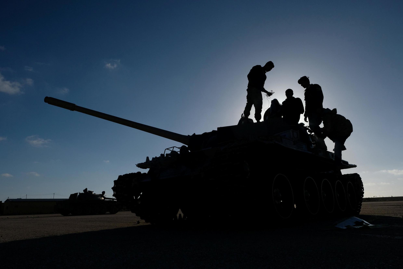 Les hommes du maréchal Haftar à Benghazi se préparent à renforcer les premières troupes qui ont commencé l'offensive de Tripoli. Le 13 avril 2019.