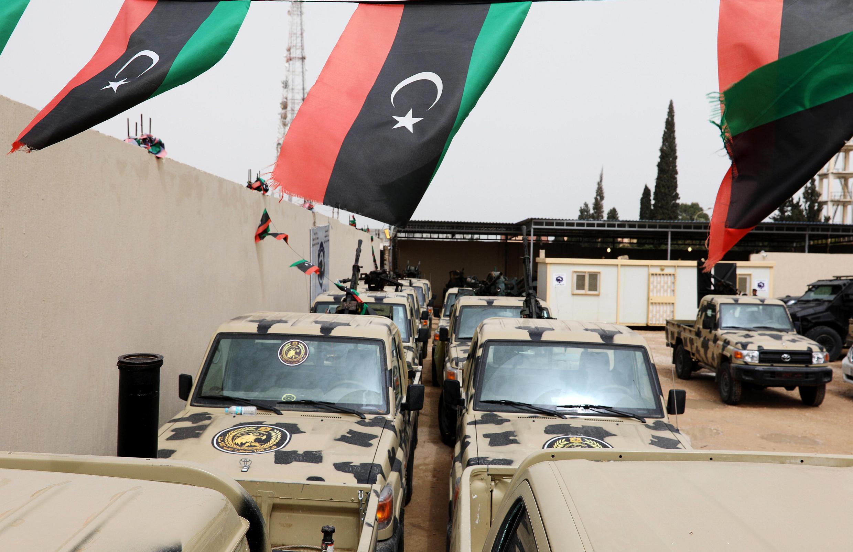 Tensão escala na Líbia com a tentativa de tomar a capital por parte das tropas comandadas pelo marechal Khalifa Haftar, que controla o leste do país.