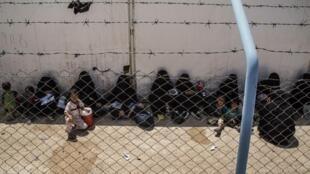 Des femmes et des enfants de jihadistes dans le camp d'Al Hol dans le Rojava (Syrie), le 3 juin 2019.