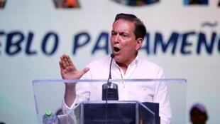 Laurentino Cortizo habla a sus partidarios después del anuncio de los resultados, en Panamá, el 5 de mayo de 2019.