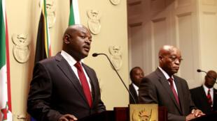 Le président du Burundi Pierre Nkurunziza au cours d'une conférence de presse avec son homologue sud-africain Jacob Zuma le 4 novembre 2014.