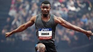 Hugues Fabrice Zango a battu le record d'Afrique du triple saut en décollant à 17,58 m, le 27 janvier 2018.