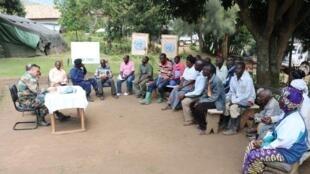 Tongu, Nord-Kivu, RD Congo. Rencontre entre le contingent indien de la Monusco et la population civile pour discuter des questions de sécurité générale dans les zones d'opérations, en février 2017.