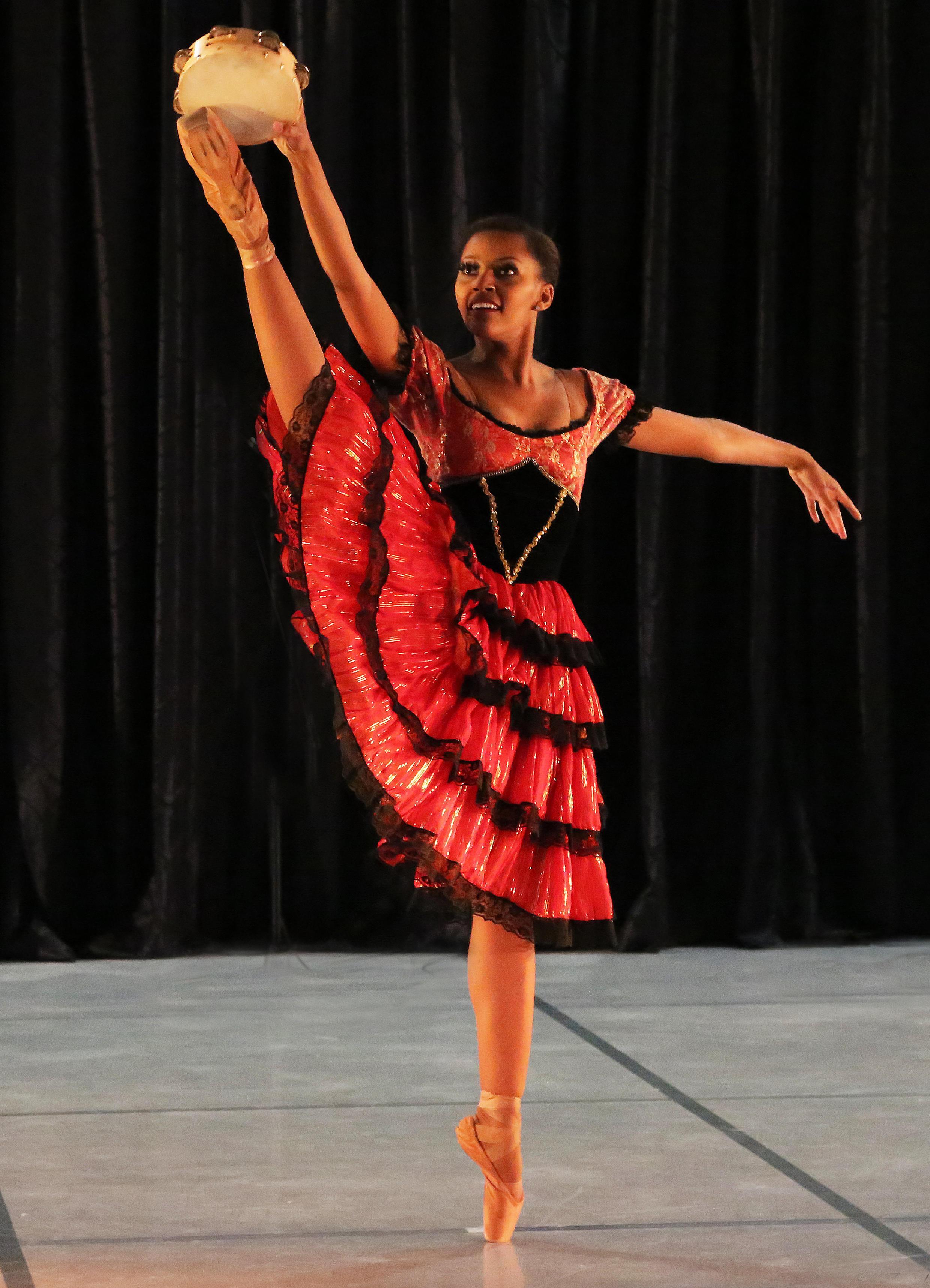 Joburg ballet. Monike Cristina em Esmeralda