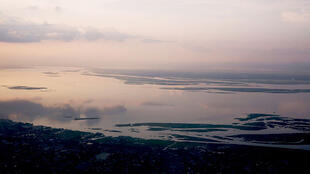 Vue sur le fleuve Congo, séparant les villes de Brazzaville et Kinshasa distantes l'une de l'autre de 4 km. (Photo d'illustration)
