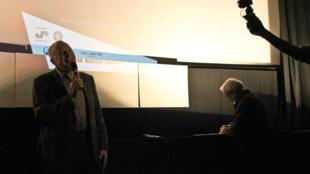 Андрей Смирнов на парижской премьере фильма «Жила-была одна баба»