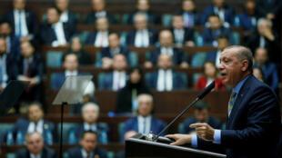 Tổng thống Thổ Nhĩ Kỳ Recep Tayyip Erdogan phát biểu tại Nghị viện ở Ankara. Ảnh ngày 23/10/2018.