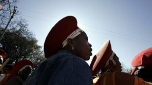 Le 9 août 2006, des Sud-Africaines commémorent le 50e anniversaire de la marche des femmes sur Pretoria.