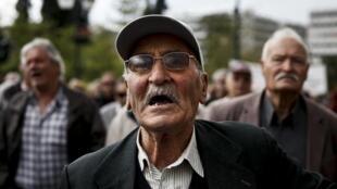Marche contre l'austérité des retraités grecs, 19 avril 2013.