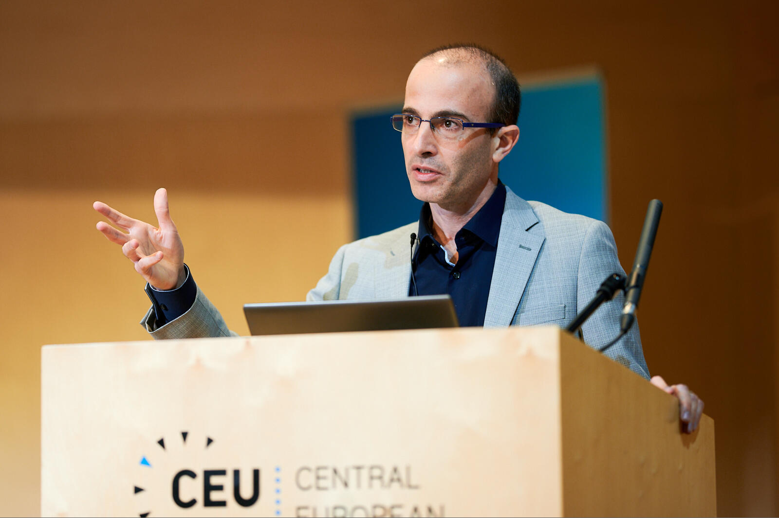 """Yuval Noah Harari, author of Sapiens and Homo Deus, here giving a lecture at the Central European University in Budapest, titled """"The Bright Side of Nationalism,"""" 17 May 2019."""