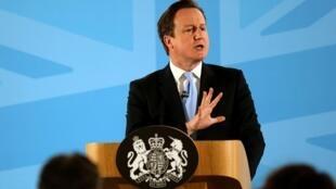 David Cameron anunciou as medidas para diminuir a entrada de imigrantes na Grã-Bretanha na segunda-feira, 25 de março de 2013.