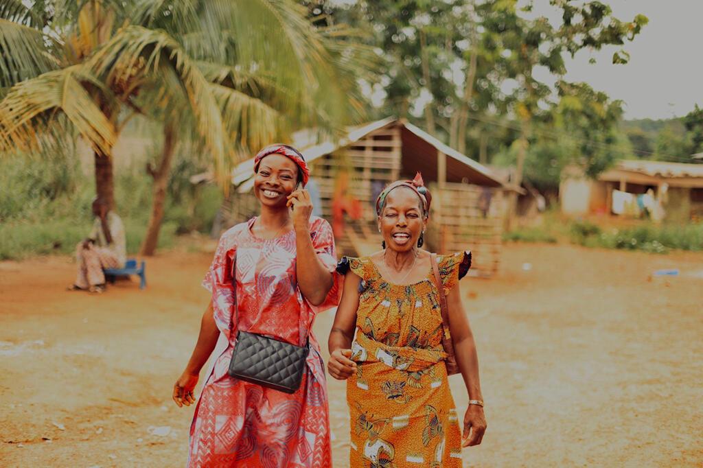 Deux femmes ivoiriennes au village de Digpabia dans le Haut-Sassandra à 15 km de Daloa.