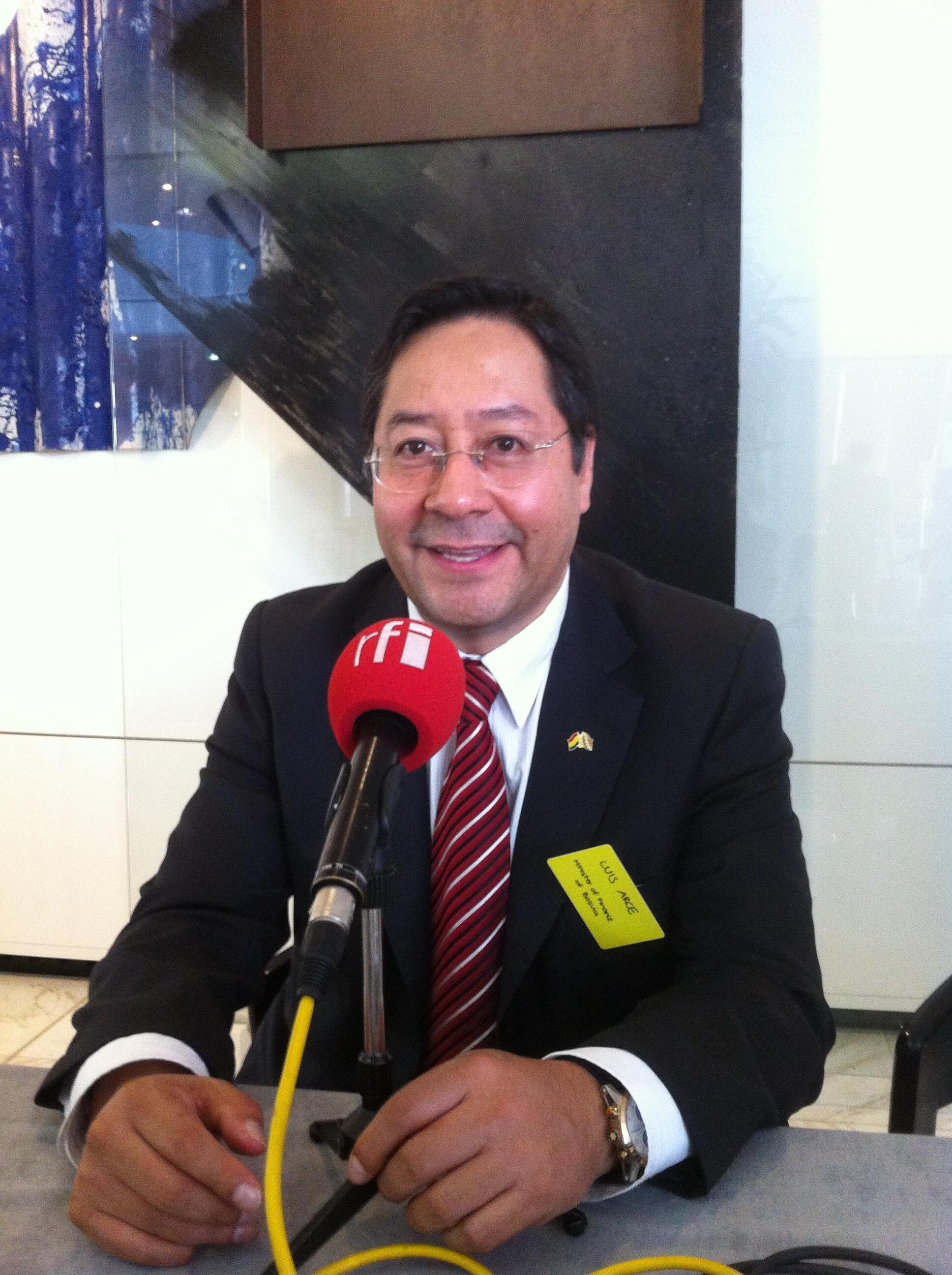 Luis Alberto Arce Catacora, ministro de Economía de Bolivia, en el Ministerio de Economía de París, junio de 2015.