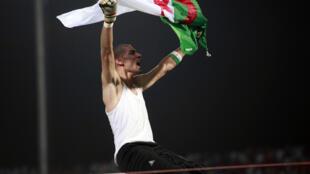 Héroïque contre l'Egypte, le gardien sétifien Faouzi Chaouchi ne sera que spectateur.