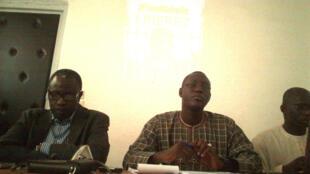 L'expulsion de Maikala Nguebla a été jugée «abjecte et indigne» par les organisations et réseaux mobilisés en sa faveur. Ils se sont regroupés à Dakar au sein d'un comité appelé Droit d'asile et liberté d'expression (Dale).