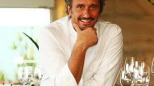 Emmanuel Bassoleil, chef francês radicado no Brasil, responsável pela gastronomia do Hotel Unique, em São Paulo