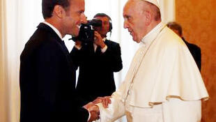 Emmanuel Macron recebido pelo Papa Francisco em audiência privada no Vaticano, a 26 de junho de 2018.