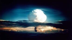 """""""Ivy Mike"""" la bomba H ensayada por Estados Unidos el 1o de noviembre de 1952."""