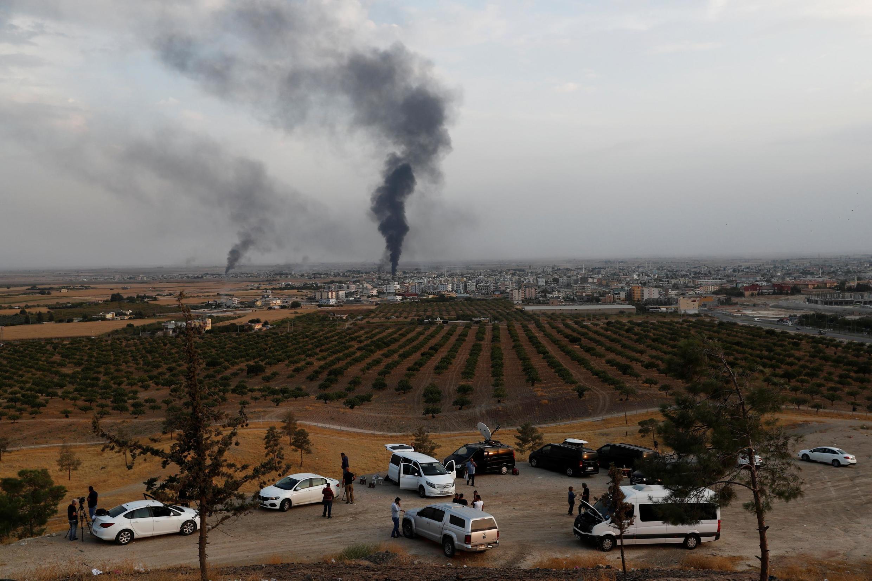 Des combats acharnés se déroulent autour de la ville frontalière de Ras al-Aïn, où l'armée turque et ses supplétifs syriens peinent à avancer face à la résistance des combattants kurdes.