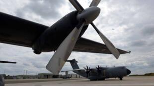 Base aérea em Evreux, na Normandia
