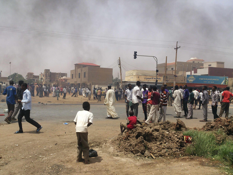 Maandamano dhidi ya kupanda kwa bei ya mafuta. Khartoum, Septemba 25, 2013.